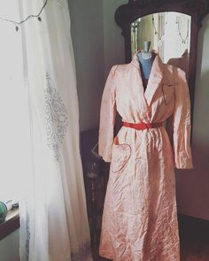 Check out this item in my Etsy shop https://www.etsy.com/listing/559047393/40s-1940s-40s-vintage-light-peach-floral