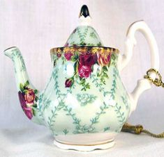 Royal Albert - Collectable Teas - Old Country Roses Peppermint Damask Must find
