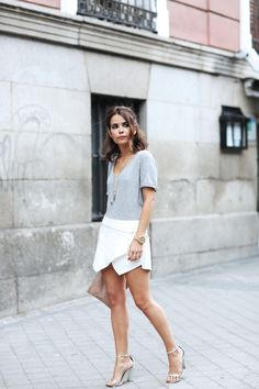 WhatsTrend Blog » White, Grey and Clutch