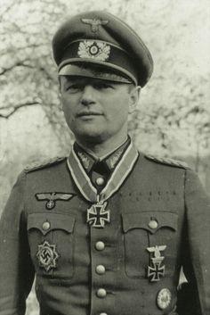 Generalleutnant Horst von Mellenthin (1898-1977), Kommandeur 205. Infanterie Division, Ritterkreuz 10.10.1944, Eichenlaub (815) 04.04.1945
