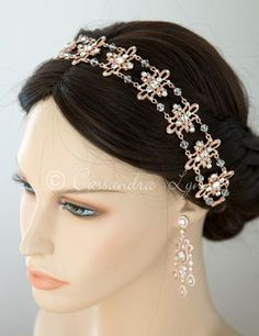 Available in rose gold, silver or light gold, this flexible, link wedding headband has an elegant style. Each link is adorned with crystal rhinestones and conne