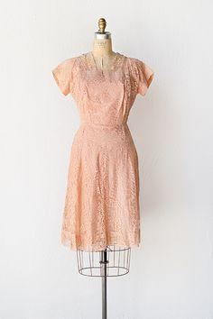 vintage 1950s salmon pink lace dress