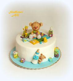 Zobacz zdjęcie Tort z misiem Wszystkie dekoracje wykonuję sama z cukru. w pełnej rozdzielczości