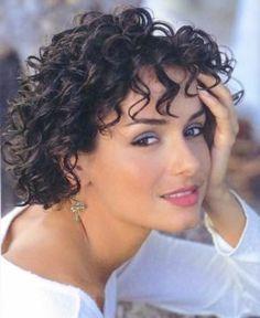 Gina Davis rocking the curly bob on round face