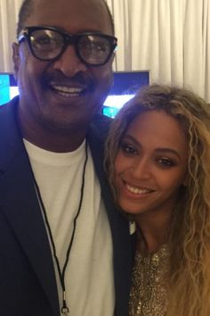 """Pin for Later: Beyoncé Poses With Her """"Proud Dad"""" at Her Houston Concert"""