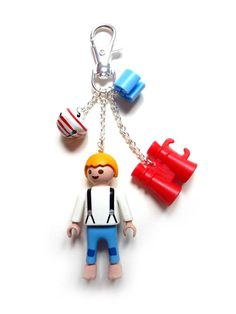 llavero playmobil Lego, Idee Diy, Puzzle Toys, Toy Craft, Toys Photography, Key Chains, Cool Kids, Art Decor, Upcycle