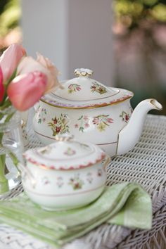 Love it. Wedgewood Bianca pattern. From Tea Time Magazine