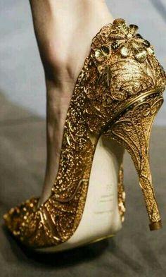 Dolcengabbana goud cindrella schoenen 2014