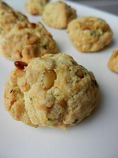 cookies apéritif pignon de pin grillé, parmesan et basilic mais aussi graines de courges, parmesan et bacon Rapide et parfait pour l'apéro !
