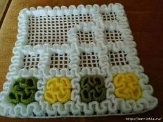 Вязаные крючком коврики на филейной сетке (8) (552x414, 100Kb)