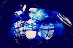 Parnass. Aus der Serie Mnemosyne. 2013  Rotierende Raumcollage aus Draht, Papier, Klebeband, Schnur, digital Druck und Schwarzlicht Skulptur, Objekt, Video, Installation, Fotografie Markus Wintersberger 2013  #markuswintersberger #mnemosyne #erinnerung #parnass #medienwerkstatt006 #skulpturinbewegung #raumcollage #schwarzlicht #musensitz #objekt #austria #vienna #hieronymusbosch #fixstern