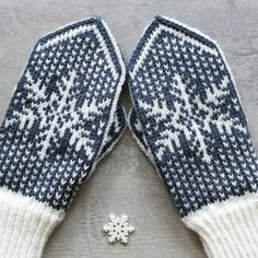 Mittens Pattern, Knit Mittens, Hand Warmers, Knitting Projects, Handicraft, Fiber Art, Knit Crochet, Diy And Crafts, Projects To Try