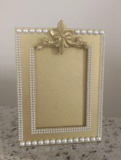 Porta retrato dourado com pérolas - luxo