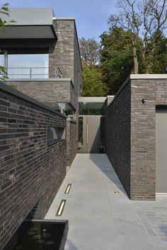 Eingang Haus K, Gillrath Klinker - home remodel Brick Architecture, Interior Architecture, Future House, My House, Home Remodeling, Villa, Sidewalk, Exterior, Building