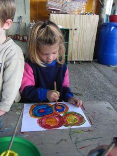 Mairtown Kindergarten: Abstract art with Kandinsky!