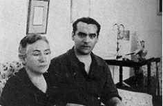 Lorca y su madre en la Huerta de San Vicente.