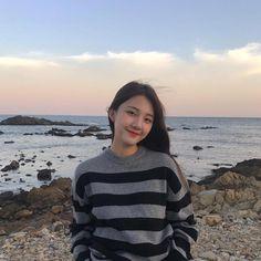 💋 ➷ulzzang ღ girls➶ Ulzzang Hair, Ulzzang Korean Girl, Cute Korean Girl, Girl Korea, Asia Girl, Korean Fashion Trends, Fashion Tips For Women, Uzzlang Girl, Korean Aesthetic