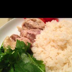 鶏飯つくった。柚子胡椒ソースに三つ葉を添えた和風。