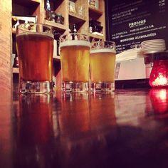 Boquébière brasse des bières authentiques et originales mettant en relief le riche terroir des Cantons-de-l'Est. La microbrasserie est aussi salle de spectacles présentant un volet culturel varié tous les samedis soirs.