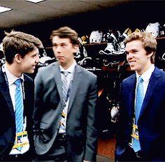 marner + c. Pens Hockey, Hockey Memes, Ice Hockey, Hot Hockey Players, Nhl Players, Mitch Marner, Canada Hockey, Connor Mcdavid, Top Prospects