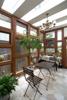 サンサンルーム: グランデザイン一級建築士事務所が手掛けたtranslation missing: jp.style.温室.eclectic温室です。