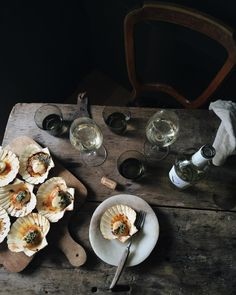 Throw back to impromptu herb and butter baked scallop and white wine lunches with friends, in my wee countryside cottage.