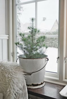 Small Tree In A Bucket Ideas For Best Christmas Decor 16 Natural Christmas, Noel Christmas, Scandinavian Christmas, Country Christmas, Simple Christmas, Winter Christmas, Xmas, Bohemian Christmas, Scandinavian Style