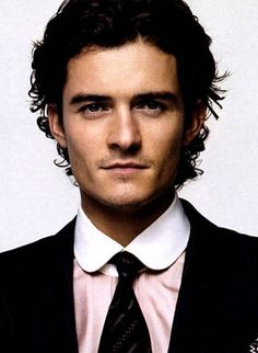 orlando bloom ok i have to a admit he isn't looking his best in this picture! but in Lord of the Rings and Pirates of the Caribbean he is one fine lookin' man!