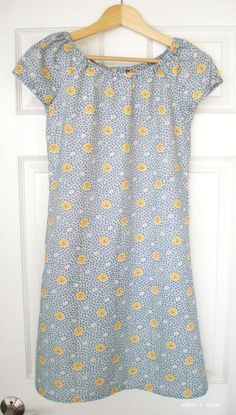 A super simple dress pattern Simplicity Built by Wendy 3835