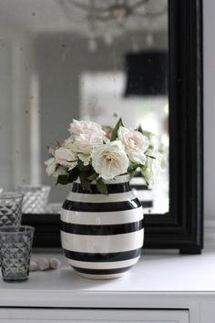 Home & Living: Kähler Design -neue Artikel in Onlineshop - Ana Ocanas - Black And White, White Cottage, Black Vase, Black And White Decor, Farm House Colors, Black Decor, Black And White Colour, Striped Vase, Black And White Vase