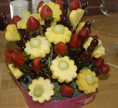 fruit arrangement in small tub Cute Food, I Love Food, Good Food, Yummy Food, Fruit And Veg, Fruits And Veggies, Vegetables, Edible Fruit Arrangements, Fruit Crafts