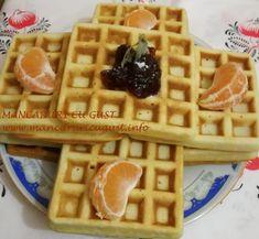 Gofre belgiene cu unt si smantana Unt, Nutella, Waffles, Breakfast, Food, Morning Coffee, Essen, Waffle, Meals