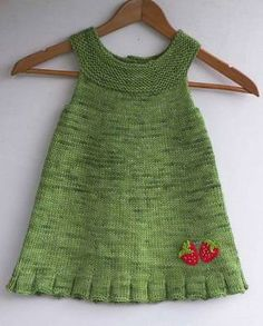 Baby Knitting Patterns Ravelry Kiva helma - cute knitted tunic for a little girl. Like the strawberry touch. Baby Knitting Patterns, Knitting For Kids, Crochet For Kids, Crochet Baby, Knitted Baby, Easy Knitting, Girls Knitted Dress, Knit Baby Dress, Strawberry Dress