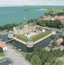 The Vadstena Castle, renaissance era. From times when the Vasa dynasty ruled. Next by the Lake Vättern in the province of Östergötland. The castle from my childhood, with stories about kings, queens and battles. Next to the main place for Saint Bridgit's order, The Vadstena Abbey.