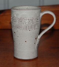 Coffee mug. Pottery Mugs, Pottery Ideas, Ceramic Pottery, Coffee Coffee, Handmade Pottery, Confused, Sculpture Art, Pots, Clay