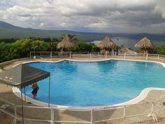 Enchape su piscinas visite nuestro sitio web: www.jirehpiscinasyspas.com