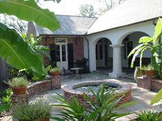 New Orleans Courtyard Design Ideas, Pictures, Remodel, and Decor