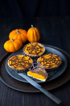 57 New Ideas Sweet Brunch Recipes Pumpkin Pies Mini Pumpkin Pies, Vegan Pumpkin Pie, Mini Pumpkins, Vegan Desserts, Raw Food Recipes, Brunch Recipes, Sweet Recipes, Tart Recipes, Christmas Brunch
