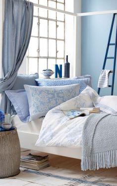 Besonders helle Blautöne wirken beruhigend und fördern einen wohltuenden Schlaf. Einfach zurückziehen und den Alltag draußen lassen!