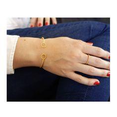 Nouveautés. Quatre nouveaux bijoux vont bientôt rejoindre l'eshop. . Il s'agit de la collection Epissure. . Les bijoux seront en ligne le vendredi 29 mai. . Vous pouvez déjà découvrir les fiches produit sur l'eshop (onglet Collection). . Je vous les présenterai dans les prochains posts. . Bon mercredi🙂 . . . . . #braceletjonc #baguereglable #bague #instabijoux #rennes #bijouxdujour #creationfrancaise #madeinbretagne #ringsaddict #entreprendre #bijouxfaitmain #monbusiness2020 Mai, Delicate, Bracelets, Gold, Photos, Collection, Jewelry, Adjustable Ring, Happy Wednesday