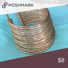 Beautiful gold bangle adjustable bracelet ✨🥂 ❤️✨ Accessories