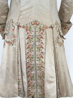 noplaceforsanity: Suit (frock coat waistcoat… – The Essence Of Frenchness - Historical Dresses 18th Century Dress, 18th Century Costume, 18th Century Clothing, 18th Century Fashion, Vintage Dresses, Vintage Outfits, Vintage Fashion, Historical Costume, Historical Clothing