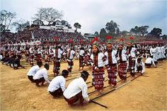 Locomet- KUT ( Festival of Kuki-Chin-Mizo):-It is an autumn festival of the different tribes of Kuki-Chin-Mizo groups of Manipur.Home of Locomet