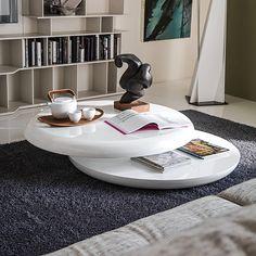 A mesa de centro é uma peça essencial na decoração da sua sala. Além de servir de apoio a zona de estar, organiza o espaço e pode ainda incorporar outros elementos decorativos, criando um ambiente harmonioso.    Saiba tudo em www.baobart.pt