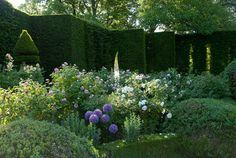 Louis Benech Design ▇  #Home #Outdoor #Landscape  via - Christina Khandan  on IrvineHomeBlog - Irvine, California ༺ ℭƘ ༻