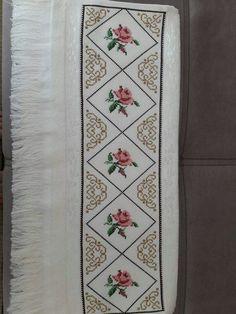 Alıntı Cross Stitch Love, Cross Stitch Flowers, Cross Stitch Patterns, Bargello, Cross Stitching, Bed Sheets, Embroidery Stitches, Diy And Crafts, Bohemian Rug