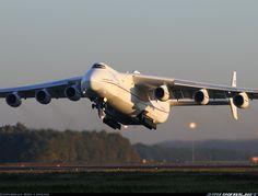 Antonov AN/225 Mriya, 28 oktober 2005.
