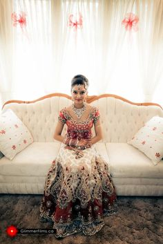 Beautiful traditional indian bridal wear, with wedding lehengas or wedding sarees for an indian wedding. Big Fat Indian Wedding, Indian Bridal Wear, Asian Bridal, Indian Wedding Outfits, Pakistani Bridal, Bridal Lehenga, Wedding Attire, Indian Outfits, Indian Clothes