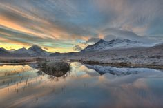 The Turn - A perfectly still day, enjoying freshly fallen snow on Skye's Cuillin range
