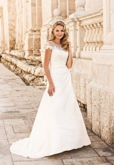 Marylise Charlene/1 – Moderne trouwjurken, scherpe prijzen | de Bruidshoek | De Bruidshoek
